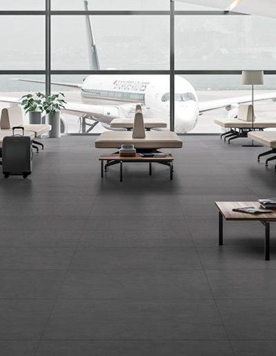 Antracite Naturale 90x90_Airport_Amb.tif