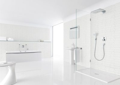 contemporary-master-bathroom-with-rain-shower-and-pedestal-sink-i_g-ISlqas02xu67pl1000000000-jwWje